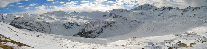 Intervalles de montagne neigés Photos stock