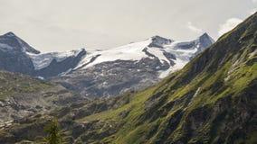Intervallo alpino di ora legale di Grossvenediger stock footage