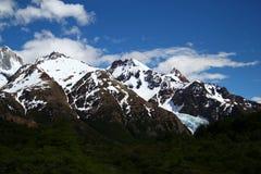Intervallo di montagna della neve immagine stock