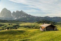 Intervallo di montagna di Lankoffel Vista da Seiser Alm, dolomia, Italia Fotografia Stock Libera da Diritti