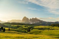 Intervallo di montagna di Lankoffel Vista da Seiser Alm, dolomia, Italia Immagini Stock Libere da Diritti