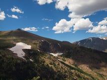 Intervallo di montagna rocciosa immagine stock