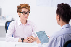 Interviewing applicant Royalty Free Stock Photos