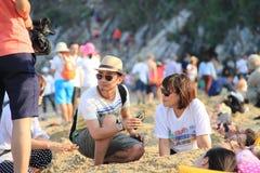 Interviewon de Evnet la playa Foto de archivo libre de regalías