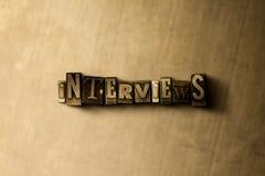 INTERVIEWS - Nahaufnahme des grungy Weinlese gesetzten Wortes auf Metallhintergrund Stockfoto