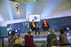 Intervista al punto di incontro di ARD alla fiera del libro 2014 di Francoforte Fotografia Stock Libera da Diritti