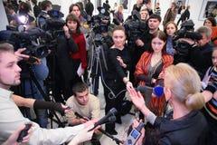 Intervista sulla mostra Immagini Stock