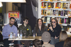 Interviwed Afterhours rockband Royaltyfri Bild