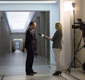 Intervju med en politikar Royaltyfri Bild