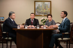Intervjuer av Petro Poroshenko för ukrainska TV-kanal Arkivbild