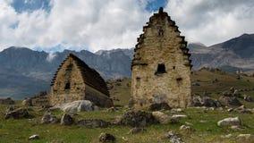 Interwał strzelanina Kaukaz góry, Północny Ossetia, formacja chmury na górze nakrywają Tseyskogo wąwóz zdjęcie wideo