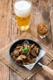 Intestin grêle de porc ou organes internes cuits à la friteuse de Chitterlings photographie stock