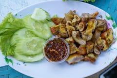 Intestin grillé de porc, nourriture thaïlandaise Photographie stock libre de droits
