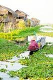 Intha人在Inle湖,缅甸 库存照片