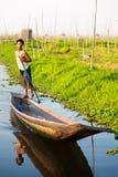 Intha fiskare, Inle sjö, Myanmar Arkivbild