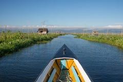 Intha het drijven de tuinlandbouw in Inle-meer Myanmar, Inle-Meer is een zoetwatermeer in Shan-staat, Myanmar stock afbeeldingen