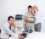 Intimidatie in het werkplaatsbureau Royalty-vrije Stock Afbeelding