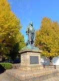 东京11月22日:在上野公园inTokyo, J的Saigo鹰森雕象 免版税库存照片