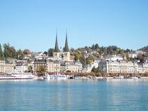 Intorno al lago Lucerna della Svizzera in autunno fotografie stock libere da diritti