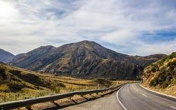 Intorno alla curvatura in Nuova Zelanda Fotografia Stock