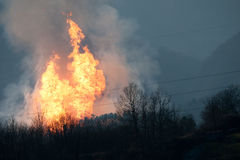 Intoxique a explosão em Toscânia, Italy - diversos feridos Fotografia de Stock