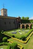 Intrance och trädgård av den Montjuic slotten Barcelona Arkivfoto