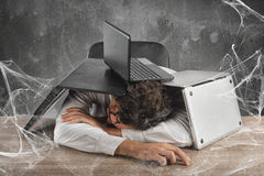 Intrappolato dal web di tecnologia fotografie stock