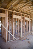 Intérieur de l'immeuble neuf en construction Image stock
