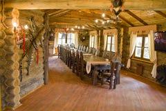 Intérieur de la maison du chasseur Photo stock