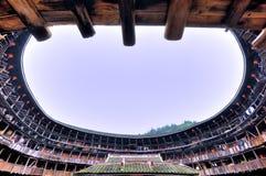 Intérieur du château de la terre, résidence décrite dans les sud de la Chine Images stock