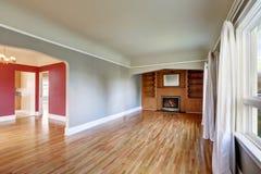 Int rieur de salon dans la vieille maison am ricaine photo stock image 42687590 - Interieur de maison americaine ...