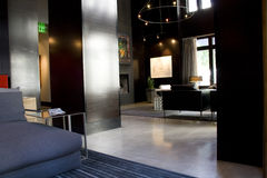 Intérieurs de salon de lobby d'hôtel de luxe Photographie stock libre de droits