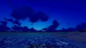 Intro het Aansteken omhoog als Kristallen tijdens de Tijdtijdspanne van Zonsopgangsterren stock videobeelden