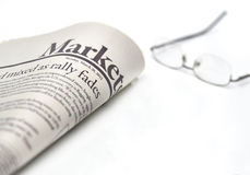 Introduz no mercado o jornal com copyspace fotos de stock royalty free