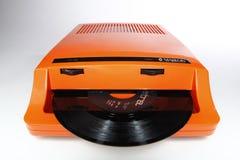 Introduza o jogador para 45 registros de vinil do RPM imagens de stock royalty free