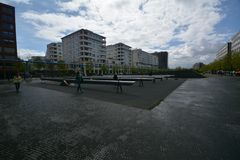 Intryck från den Potsdam fyrkanten, Potsdamer Platz i Berlin från April 11, 2017, Tyskland Royaltyfri Foto