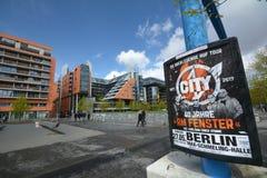 Intryck från den Potsdam fyrkanten, Potsdamer Platz i Berlin från April 11, 2017, Tyskland Arkivfoton