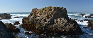 Intryck från Fort Bragg den Glass stranden från April 28, 2017, Kalifornien USA arkivfoton