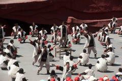 Intrycket Lijiang är den traditionella dansen i Kina. Royaltyfri Bild