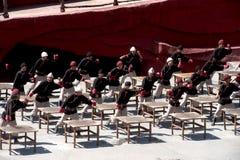 Intrycket Lijiang är den traditionella dansen i Kina. Arkivfoton