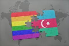 intryguje z flaga państowowa Azerbaijan i homoseksualną tęczy flaga na światowej mapy tle Zdjęcia Royalty Free