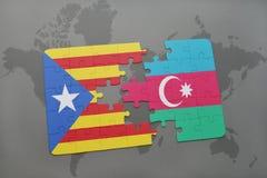 intryguje z flaga państowowa Catalonia i Azerbaijan na światowej mapy tle Zdjęcie Stock