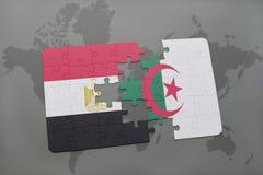intryguje z flaga państowowa Egypt i Algeria na światowej mapie Zdjęcie Royalty Free