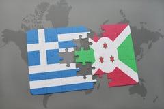 intryguje z flaga państowowa Greece i Burundi na światowej mapy tle Zdjęcie Stock