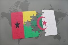intryguje z flaga państowowa gwinea Bissau i Algeria na światowej mapie Obrazy Stock