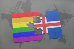 intryguje z flaga państowowa Iceland i homoseksualną tęczy flaga na światowej mapy tle Fotografia Stock