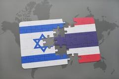intryguje z flaga państowowa Israel i Thailand na światowej mapy tle Obrazy Royalty Free
