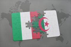 intryguje z flaga państowowa Italy i Algeria na światowej mapy tle Fotografia Royalty Free