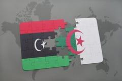 intryguje z flaga państowowa Libya i Algeria na światowej mapie Obrazy Stock