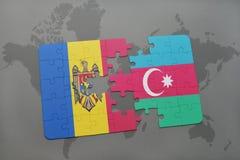 intryguje z flaga państowowa Moldova i Azerbaijan na światowej mapy tle Zdjęcie Royalty Free